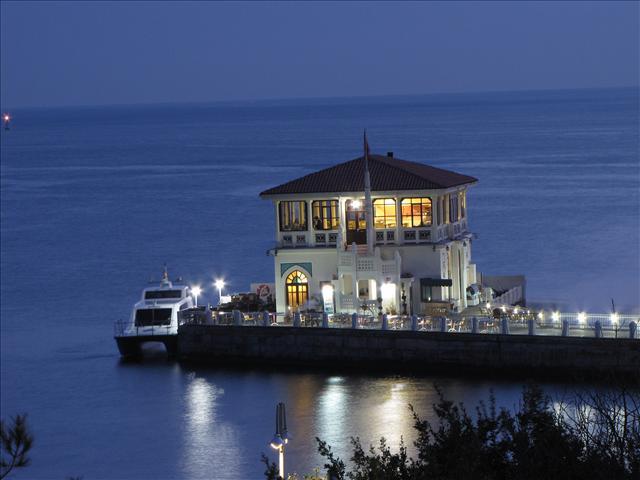 kadıköy moda iskelesi köşkü restaurantı