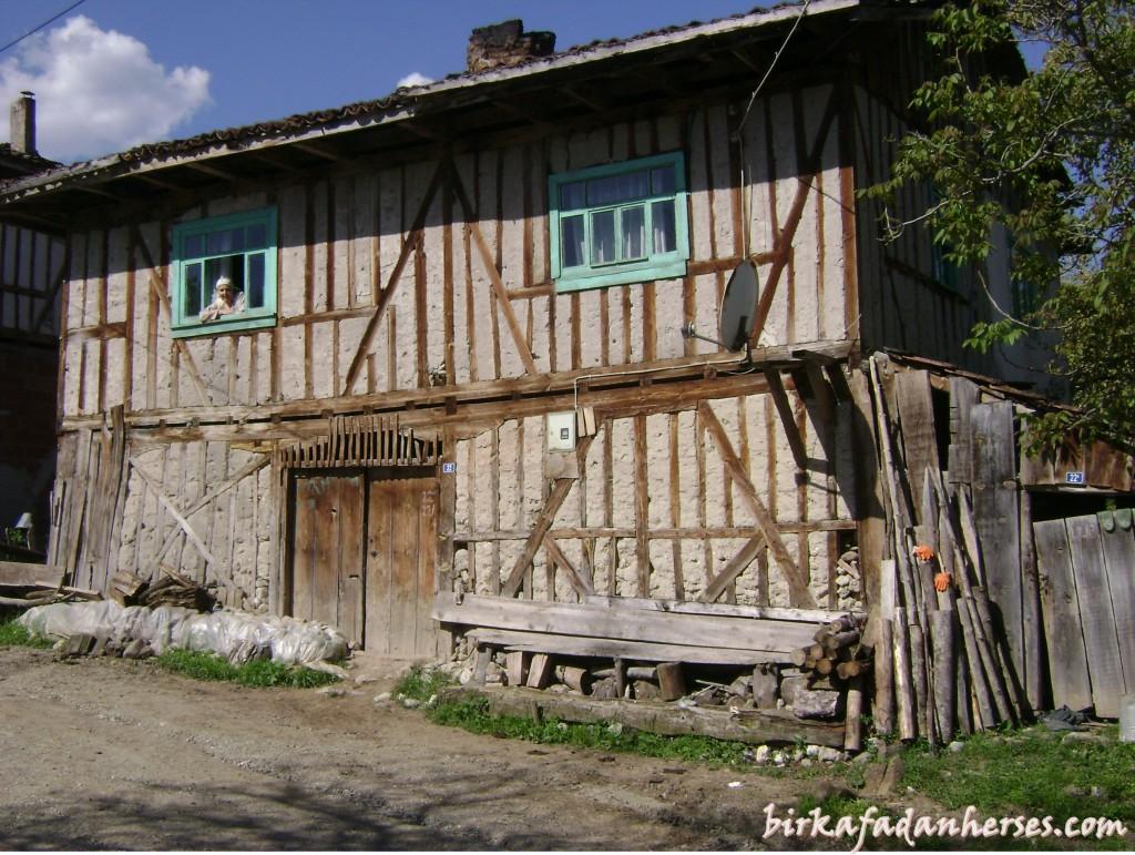 bizim köy evi