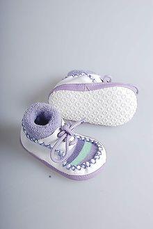 bağcıklı patik bebek ayakkabısı