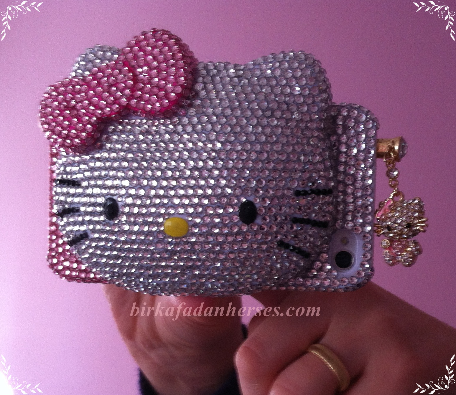 yeni hello kitty iphone 4 aksesuarlarım