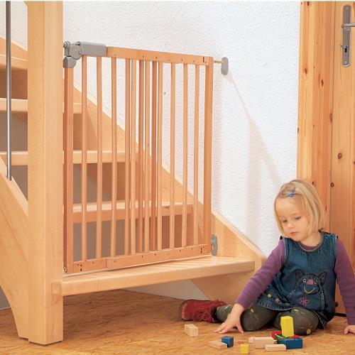 bebek çocuk güvenliği için evde neler yapılmalıdır güvenlik kapısı