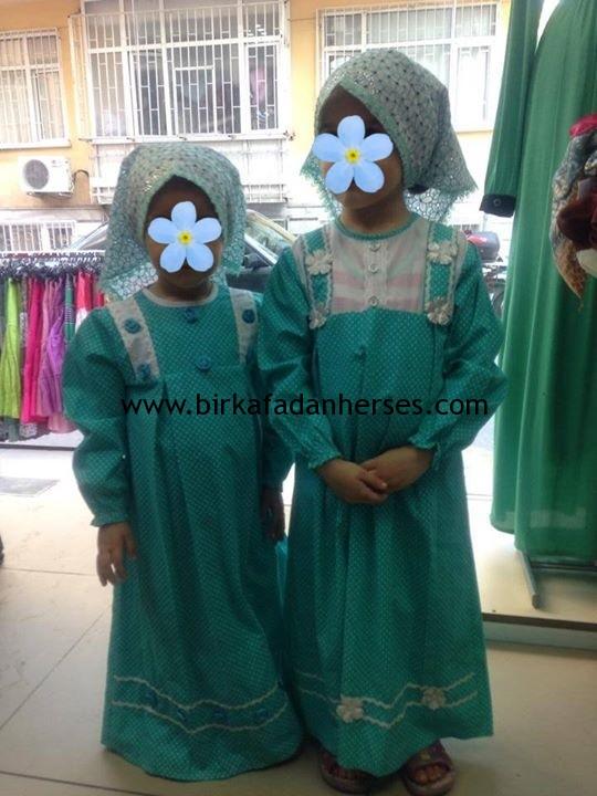 çocuklara göre tesettür elbiseler