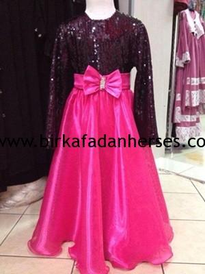 çocuklara yaşına uygun tesettürlü abiye elbiseler