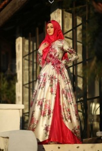 setrms abiye 020 2015 Uzun Kollu Kapalı Tesettür Mezuniyet Elbiseleri
